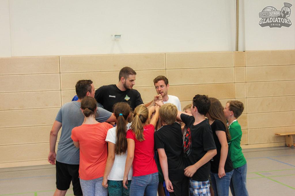 Rathaus-Kids-Training mit Simon und Kili2